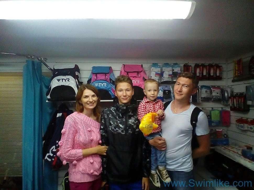 К нам в магазин приходят целыми семьями!